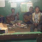 Cabup H. Muklis Saat Berbincang Dengan Pemuda Wilayah Merlung